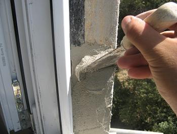 Aplicare primul strat de tencuiala exterioara