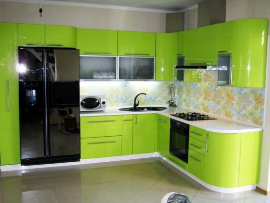 Bucatarie moderna verde