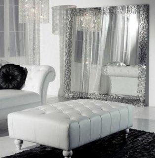 Canapea si taburet mare din piele naturala alba
