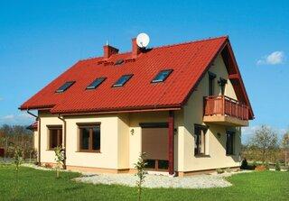 Casa cu tabla metalica pe acoperis