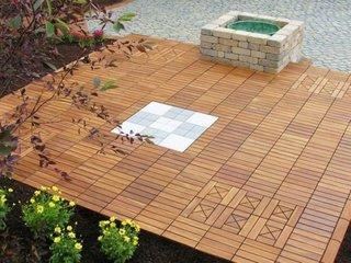 Decking pentru exterior din lemn