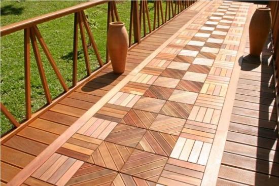Terasa din lemn natural