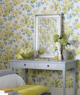 Imprimeu floral culori estivale pentru decor romantic dormitor