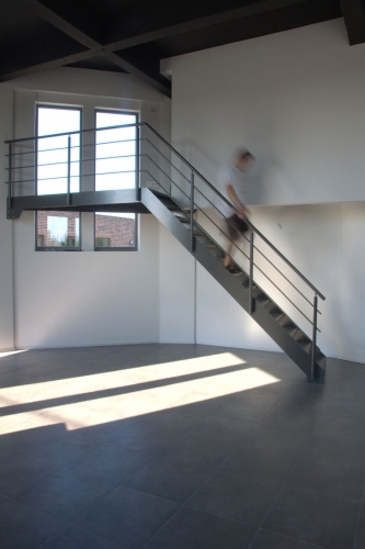 Scara de interior metalica stil industrial