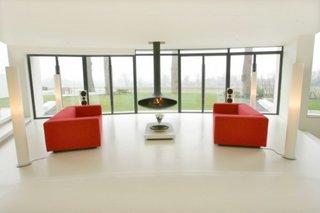 Amenajare minimalista moderna pentru un living mare