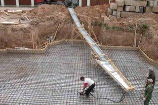 Turnare placa casa cu betoniera