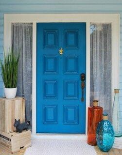Usa lemn exterior culoare albastra