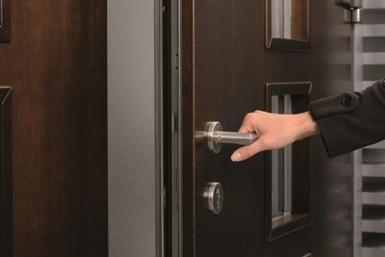 Usi metalice de intrare - Asa iti alegi un produs care iti garanteaza siguranta deplina in casa