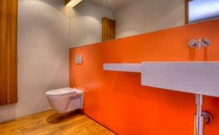Vas de toaleta suspendat cu rezervor incastrat in perete