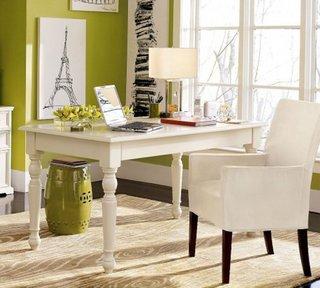 Veioza alba pentru birou modern