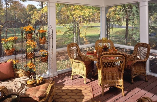 Model veranda din lemn si sticla
