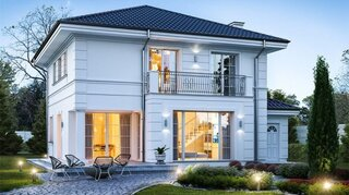 Vila 175 mp cu balcon din fier forjat
