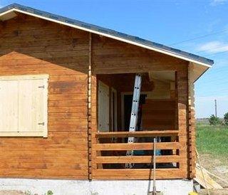 Vopsirea unei verande de la o casa de lemn