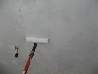 Aplicare vopsea lavabila pe tavan