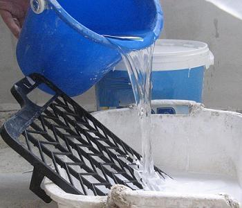 Vopsea lavabila diluata cu apa