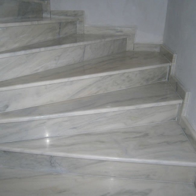 Marmura Mugla White 2 cm, alb, lucios, pentru scari